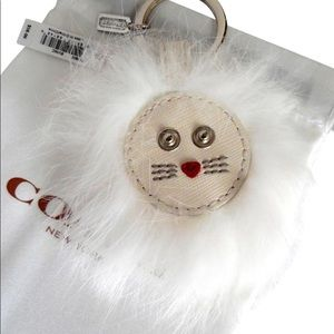 NWT Coach adorable white lion keychain!!
